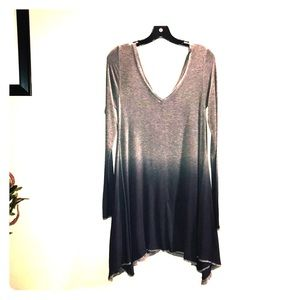 BKE ombré raw edge trapeze ribbed flowy Tunic